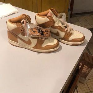 Nike high tops size 10 women beige white